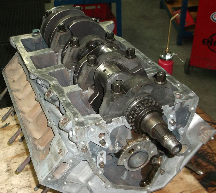 Motoreninstandsetzung BMW V8