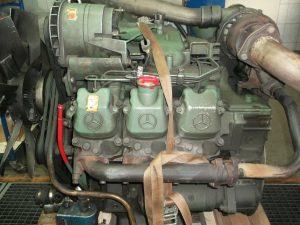 Mercedes LKW Motorreparatur