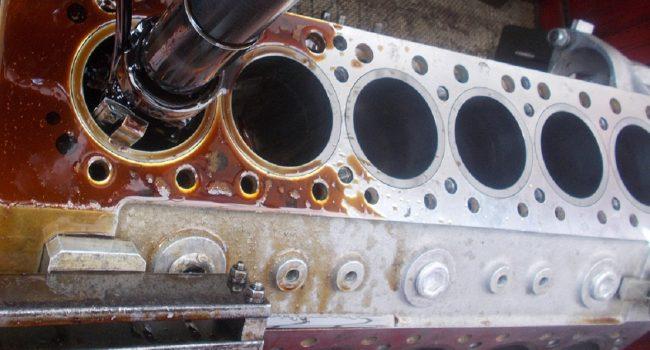Motorenteile bearbeiten